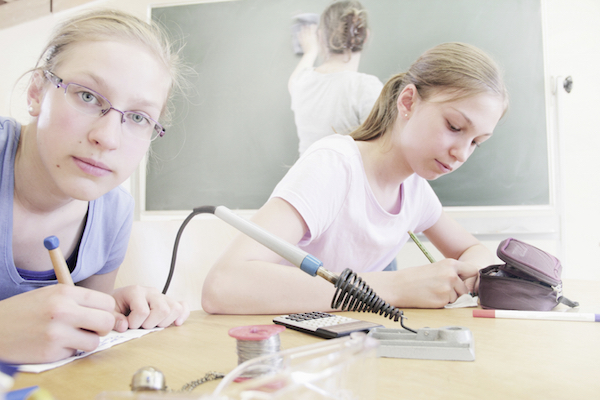 8 STEM Programs for Your Teen this Summer