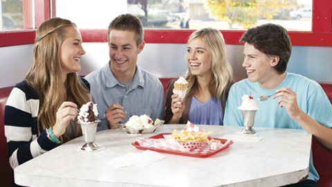 How to Discuss Dating with your Teen: Tips for Parents