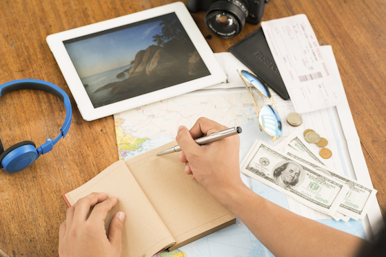 Three Ways To Earn Money As You Travel
