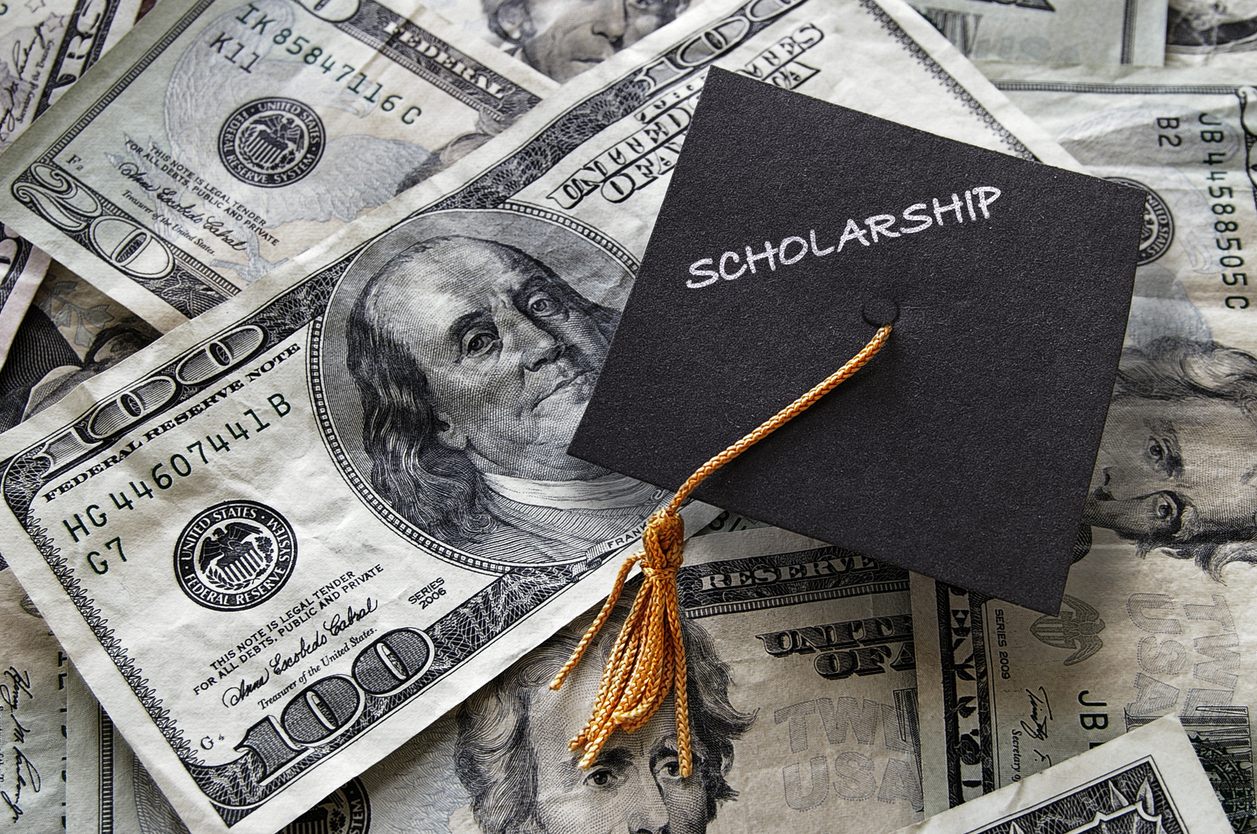Why College Scholarships Should be A Top Priority for High School Students