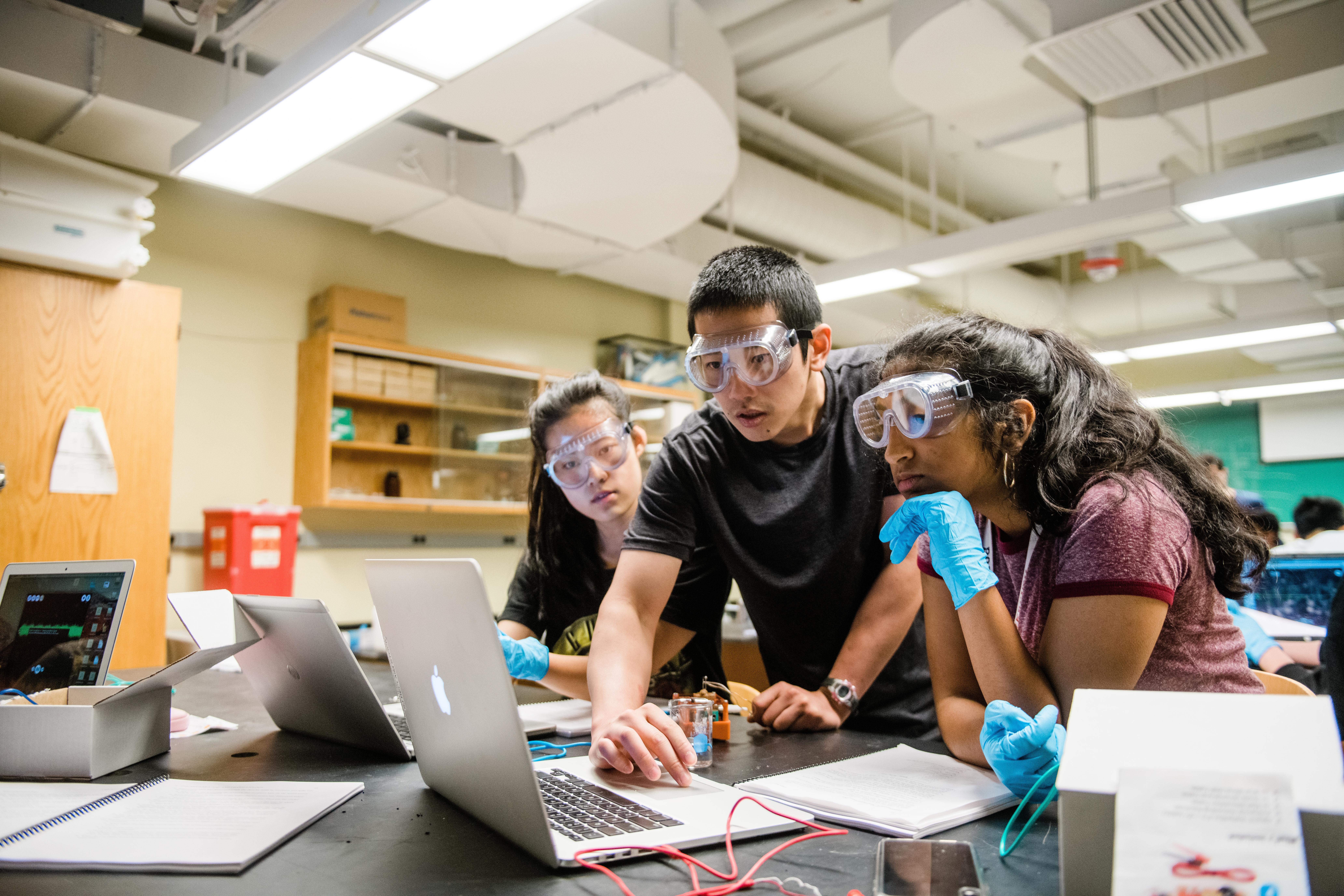 Summer Program - Electronics | Boston University: Research in Science & Engineering (RISE) Program: Internship Track