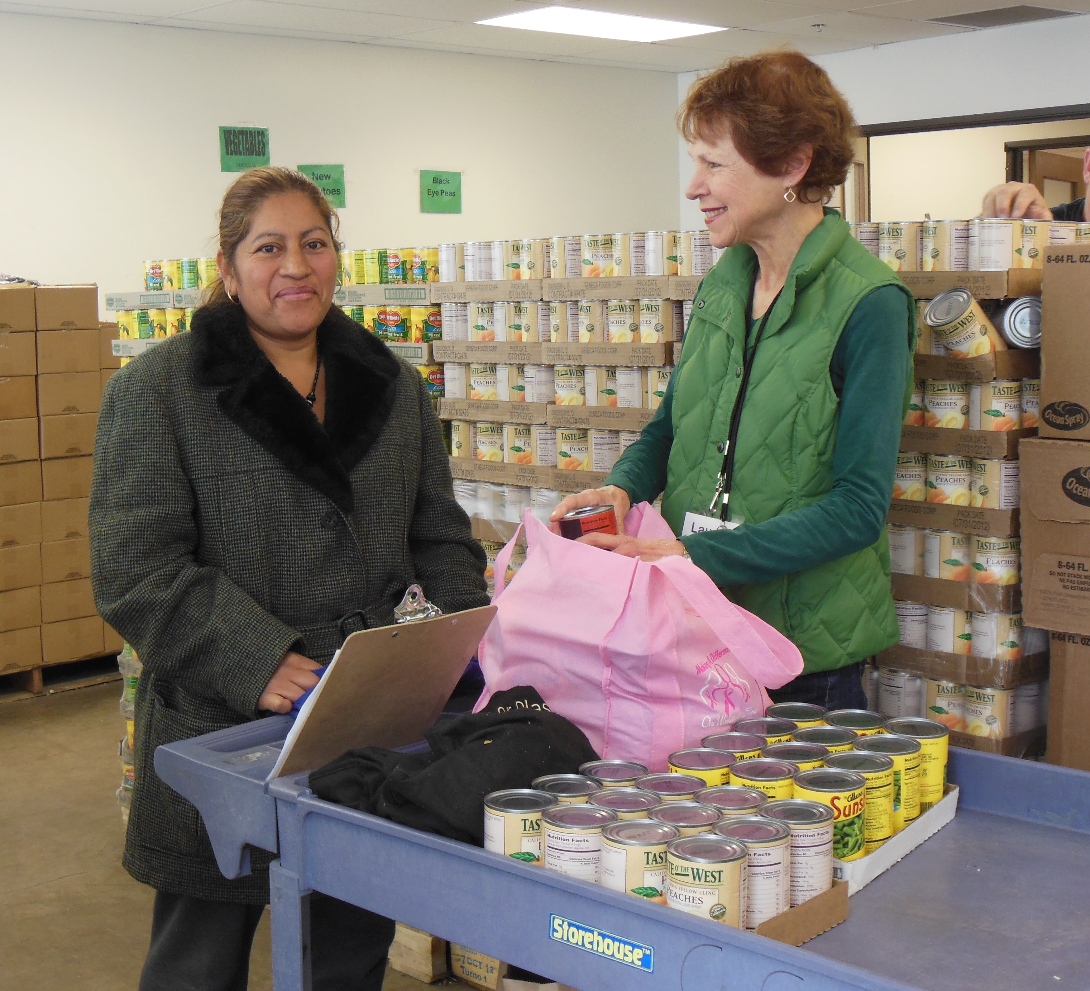 Community Service Organization - Crossroads Community Services Youth Volunteers  4