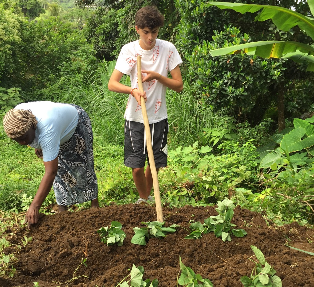 Summer Program - Arts and Crafts | Global Routes: The Grenadines Leadership in Action Program
