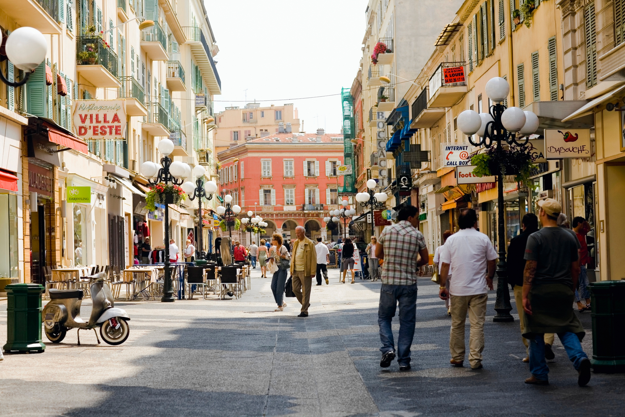 Learn French with EF International Language Campuses in Nice, France