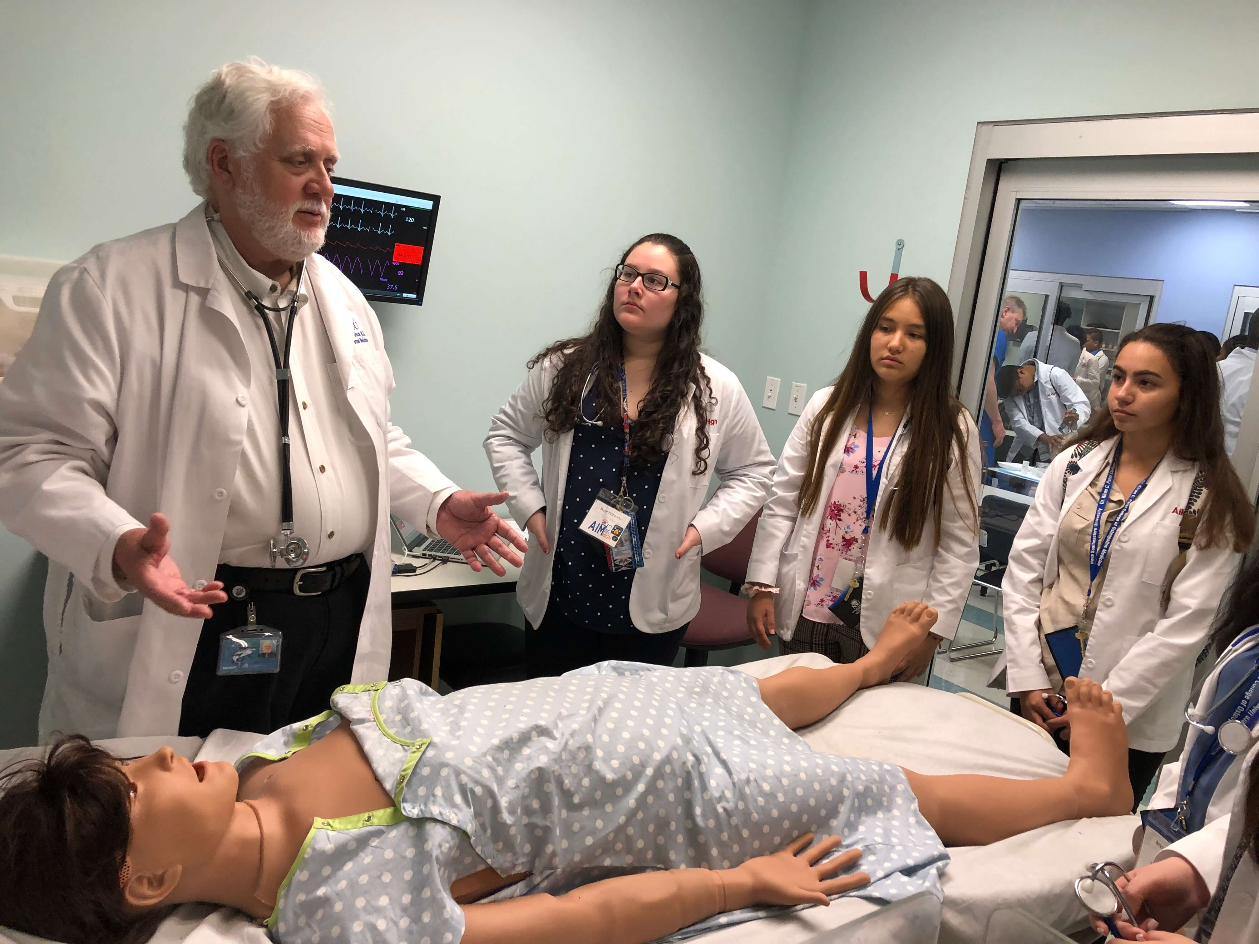 Summer Program - Pre-Med | NSU: AIM-High Medical Immersion Program