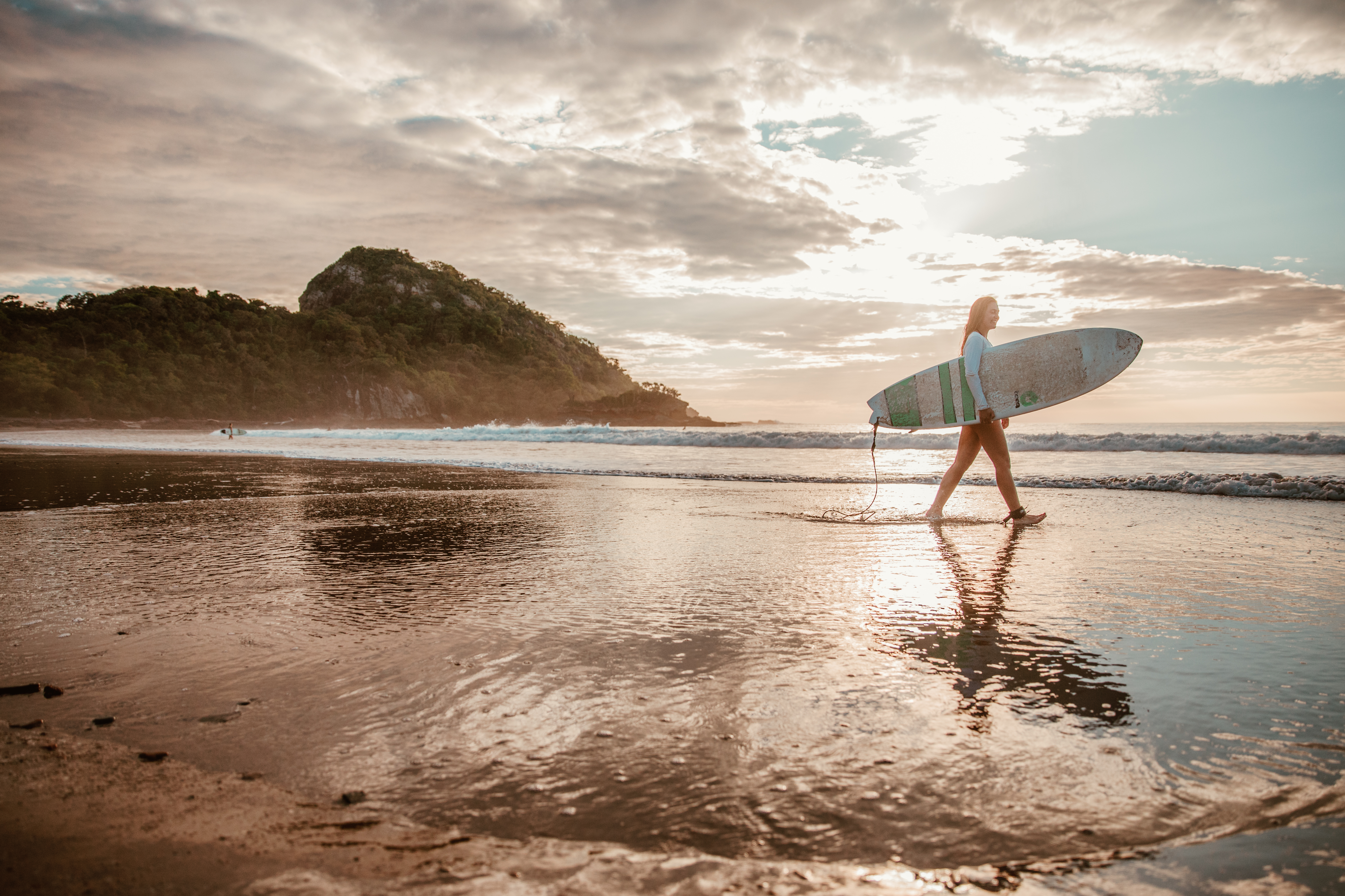 Summer Program - Surfing | Pacific Discovery: Summer Programs Abroad