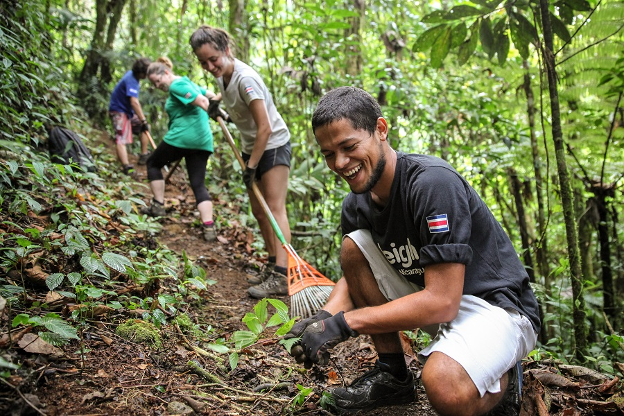 Summer Program - Youth Outreach | Raleigh Expedition - Volunteer abroad in summer