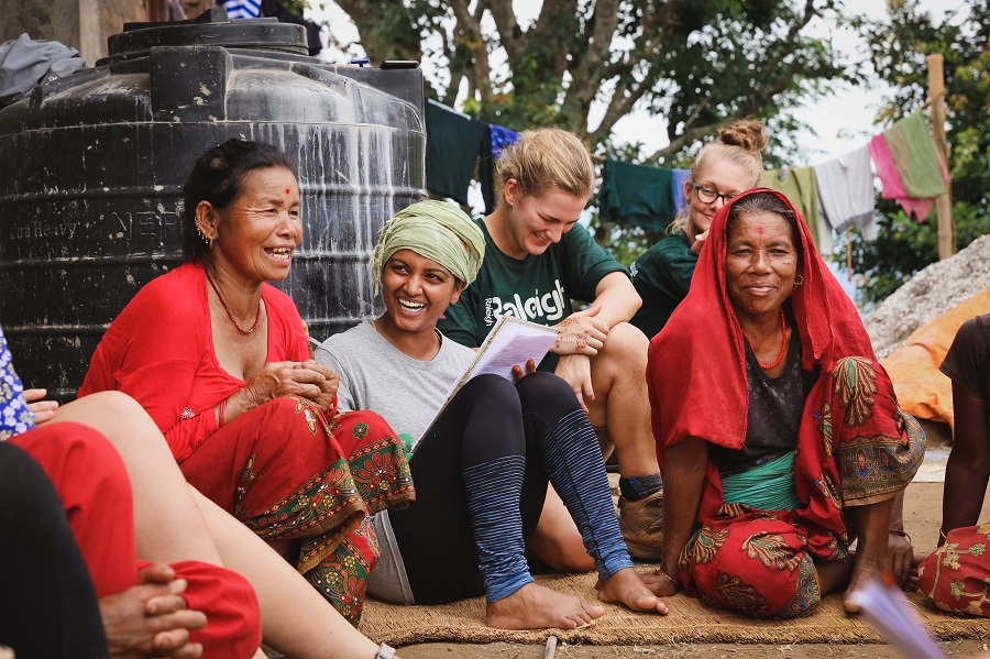 Summer Program - International Relief   Raleigh Expedition - Volunteer abroad in summer