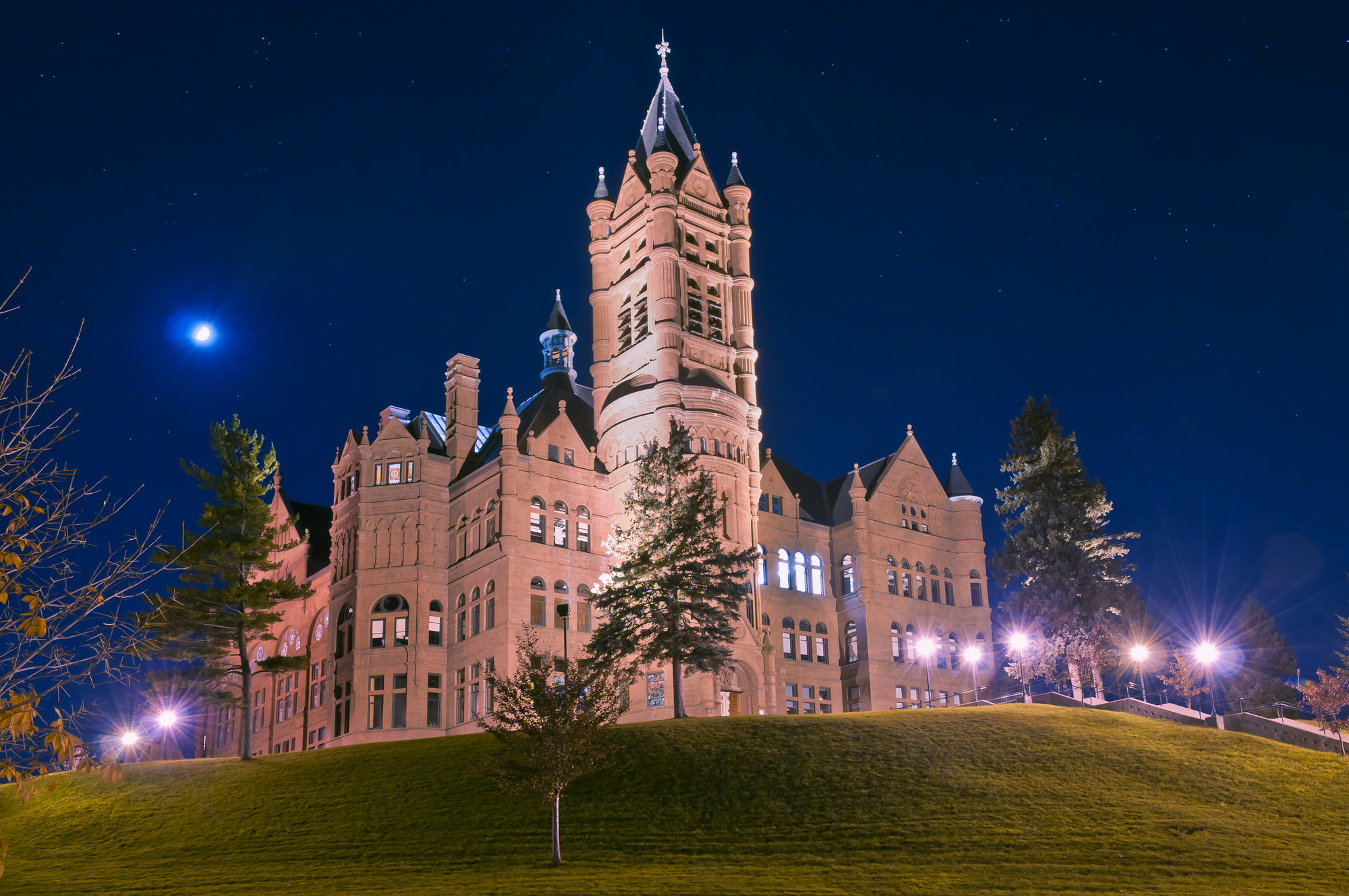 College - Syracuse University: College of Visual & Performing Arts  1