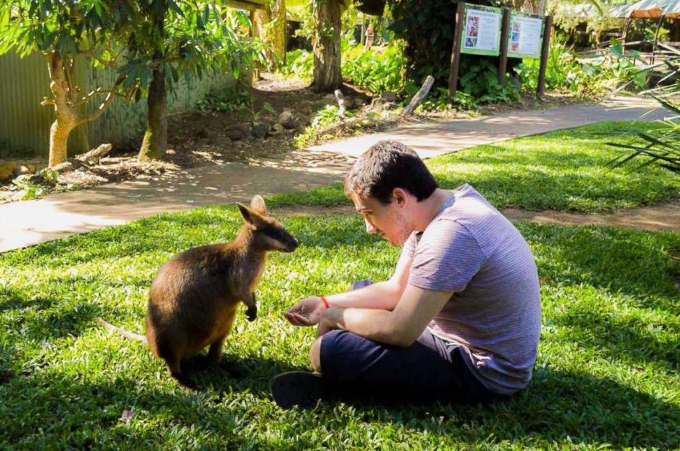 Summer Program - Preserving the Environment | Travel For Teens: Australia Service and Adventure