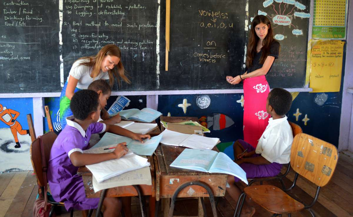 Summer Program - Youth Outreach   Travel For Teens: Fiji Ultimate Service and Adventure