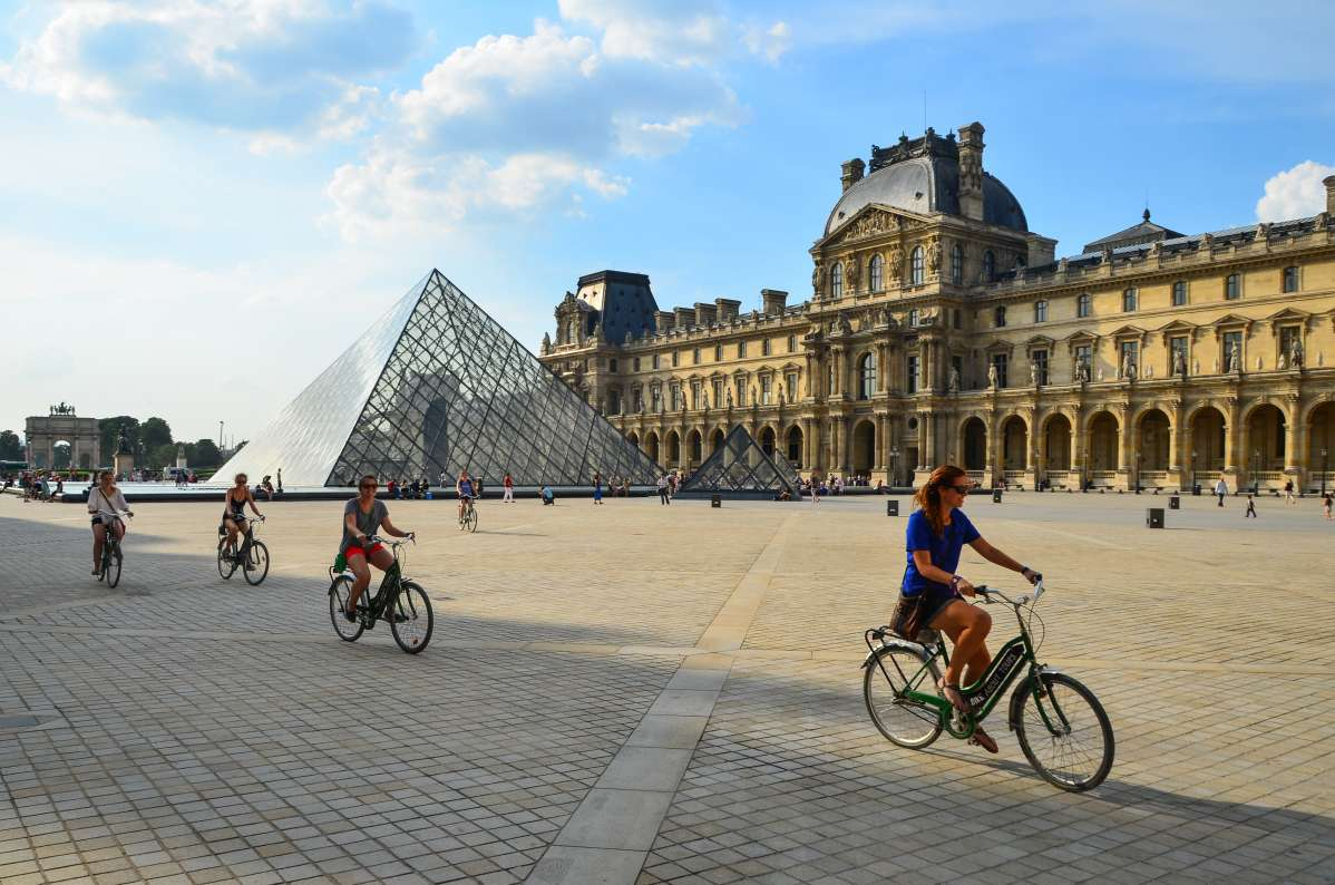 Summer Program - French | Travel For Teens: France - French Language Immersion (15 Days)