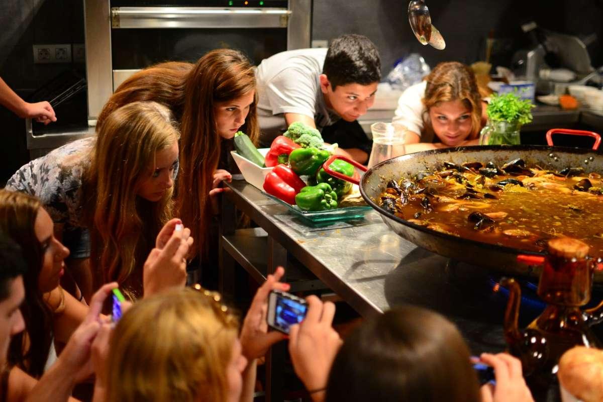 Summer Program - Group Travel   Travel For Teens: Europe for Middle School - Hola Spain