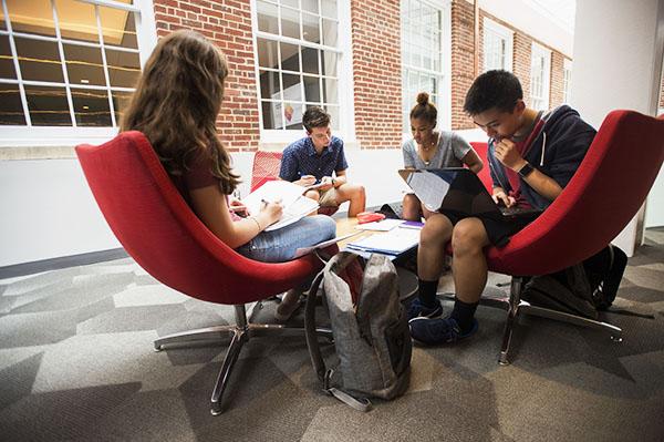 Summer Program - Journalism | University of Maryland: Terp Young Scholars | College of Arts and Humanities