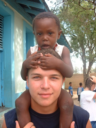 Summer Program - Work Experience | VISIONS Dominican Republic High School Service Program