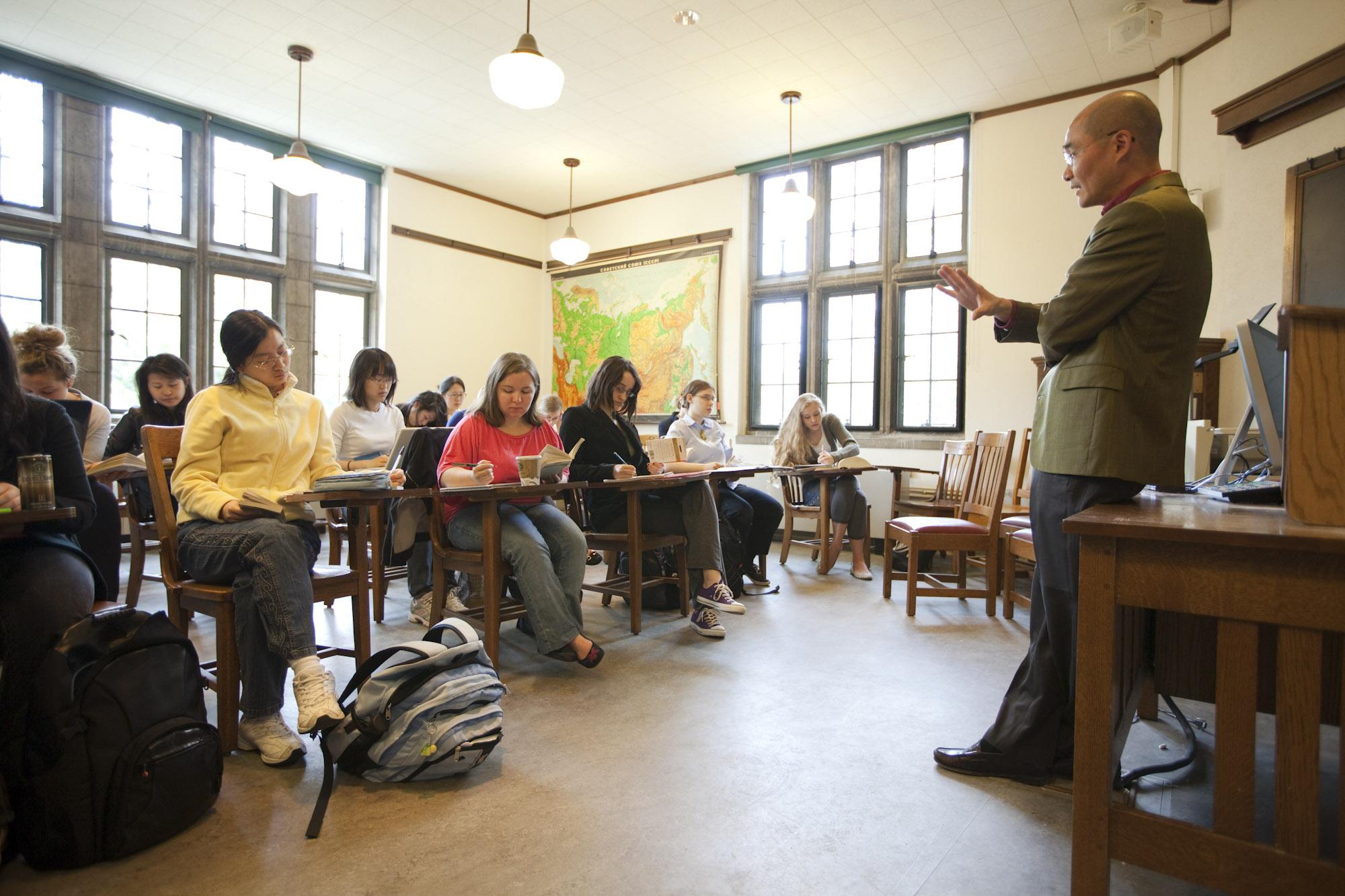 Summer Program - History   Wellesley Pre-College: Exploratory Workshops