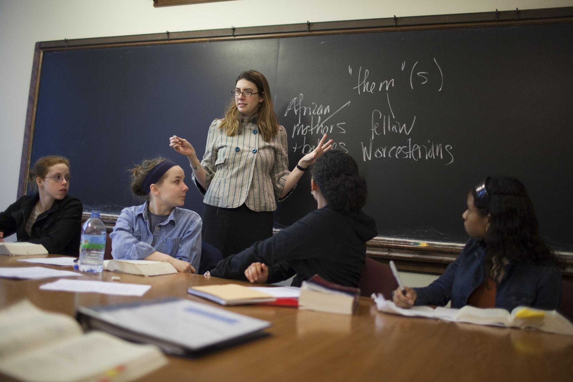 Summer Program - STEM | Wellesley Pre-College: Honors Immersion